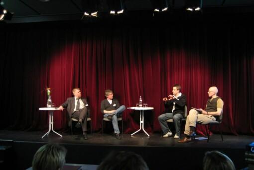 Carsten Heil (stellv. Chefredakteur Neue Westfälische), Dr. Thomas Strauch (Leiter der IMT Medien an der Uni Paderborn und Marc Tönsing (Blogger MarcTV) 2007 auf den Paderborner Medientagen