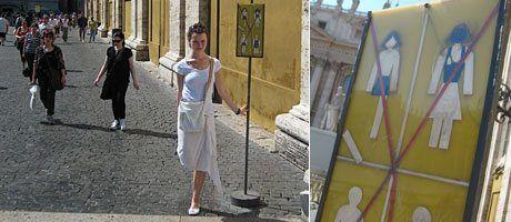 In den Vatikan darf man anscheinend nur mit zwei Beinen