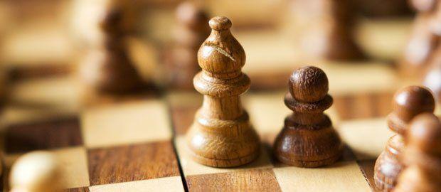 Programmieren ist wie Schach: Einfache Regeln aber ist schwer mit denen zu gewinnen.