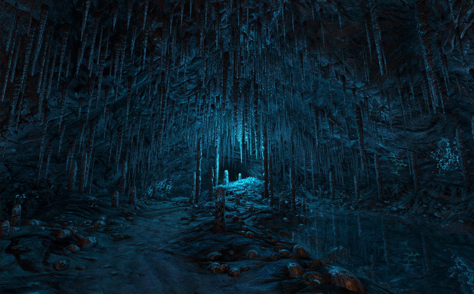 Wunderschöne blaue Tropfsteinhöhle