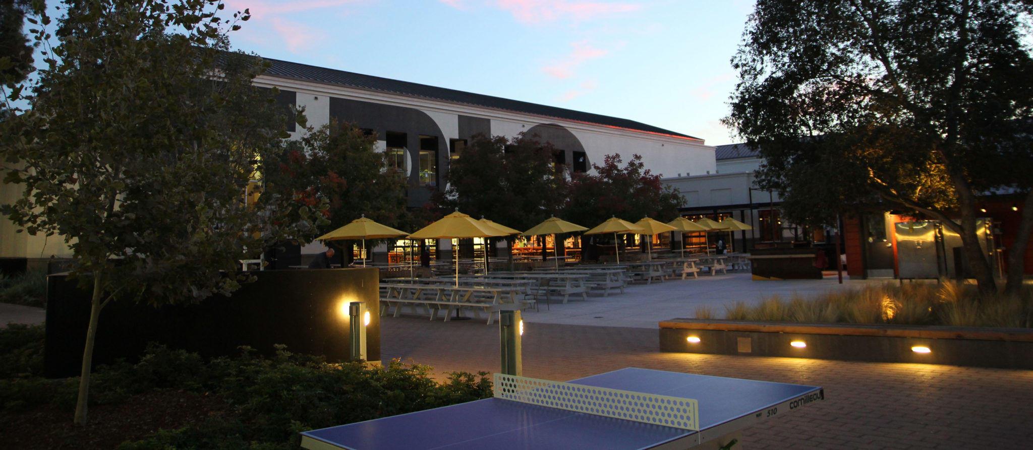 Facebook HQ Tischtennisplatte