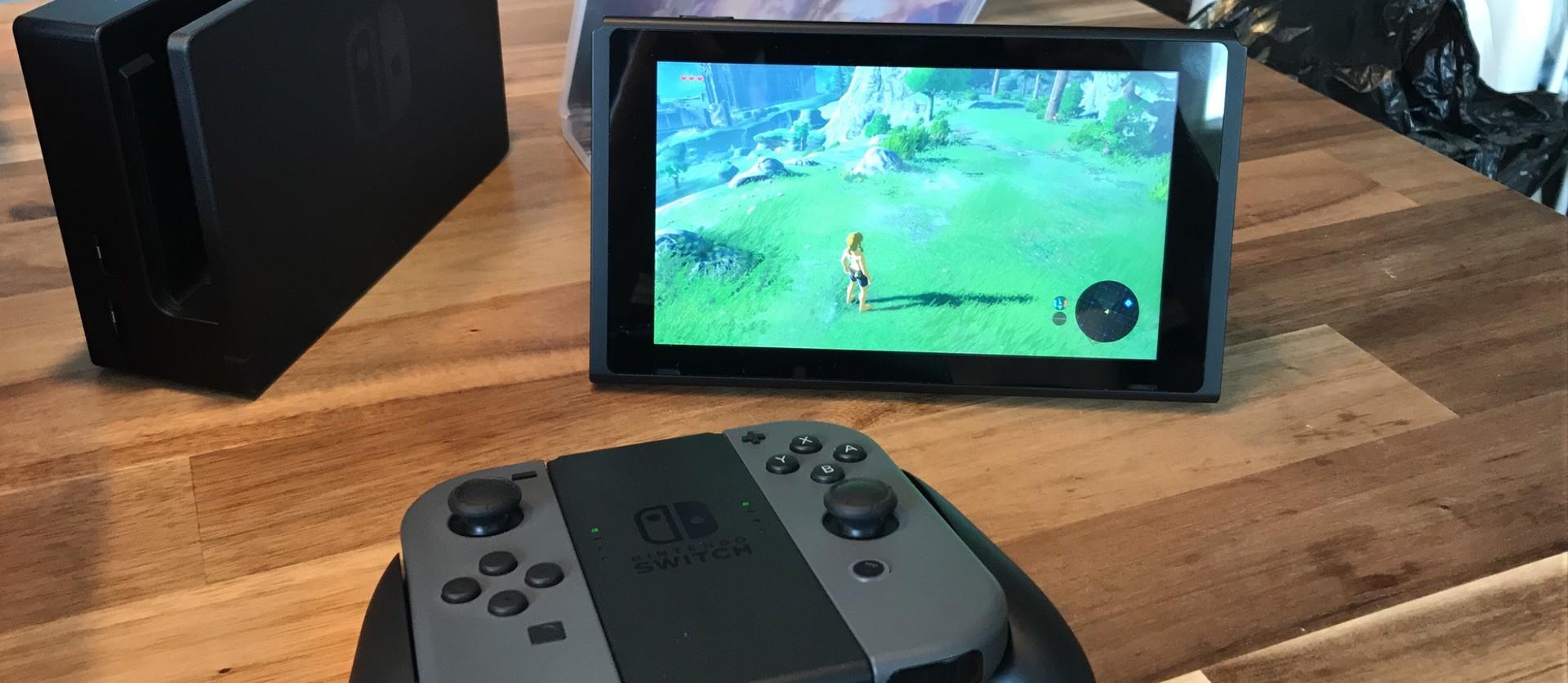 Die Nintendo Switch auf meinem Küchentisch