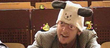 Diese Mütze hat mich schon immer an die Pogopuschel erinnert.