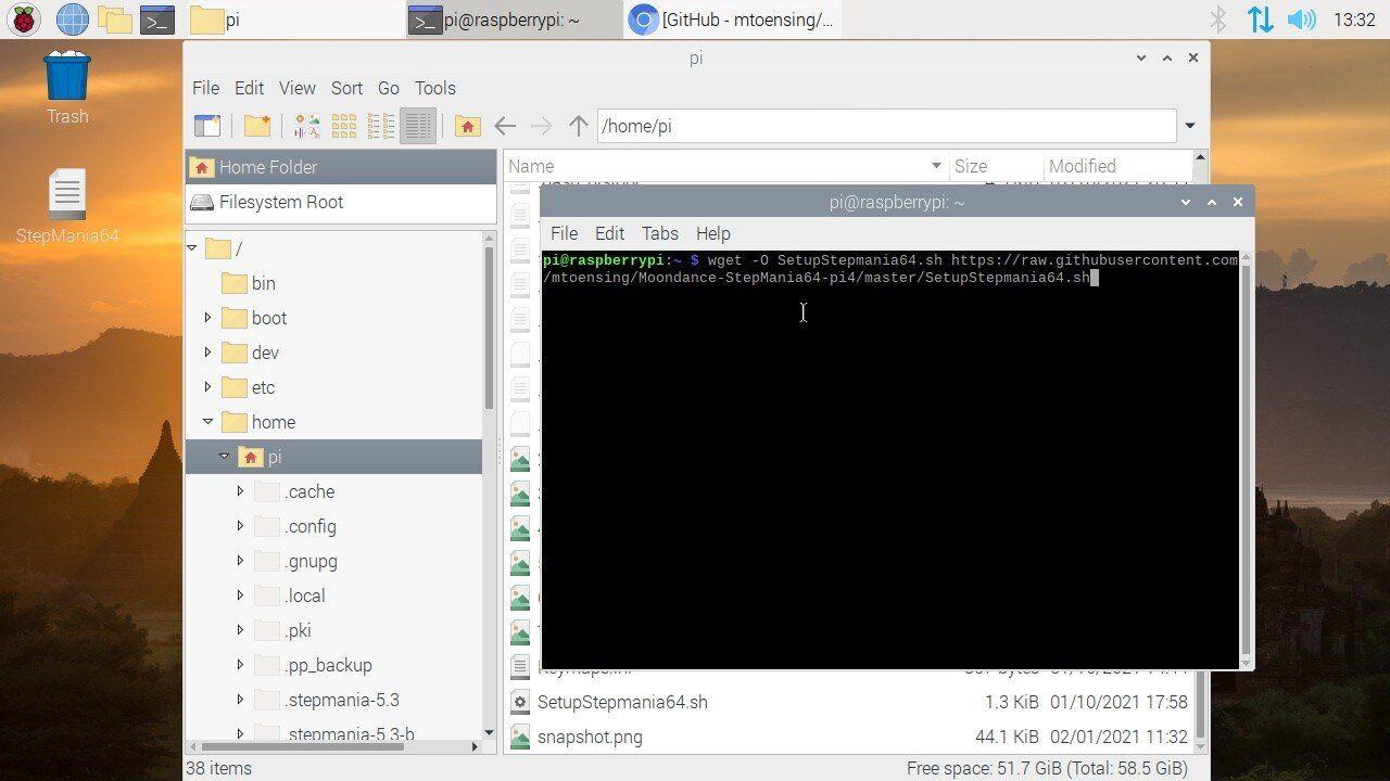 Raspberry Pi OS (64 bit) mit geöffnetem Terminal.